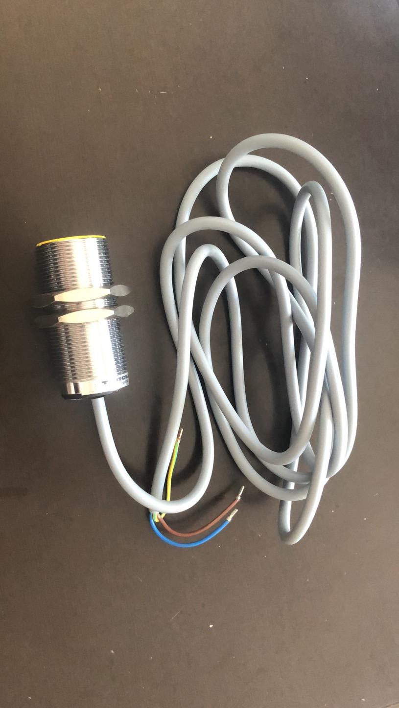 电感式开关 DTLDD-2K-F80*80*40,检测距离50mm,二线DC24V,常开