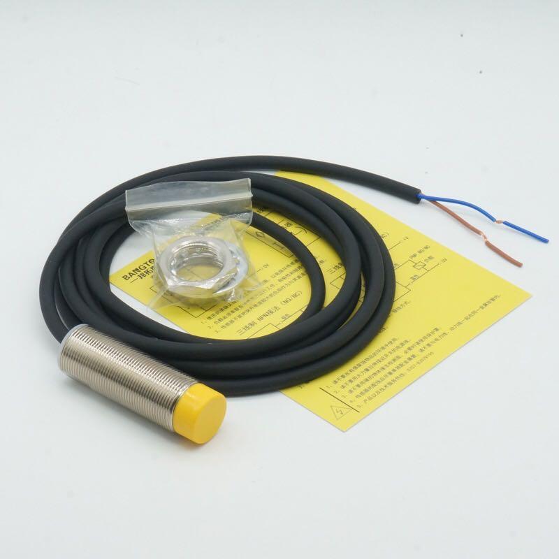 限位开关 DTDH30-3PK-FM18*60,检测距离4mm,三线,AC220V,常开。